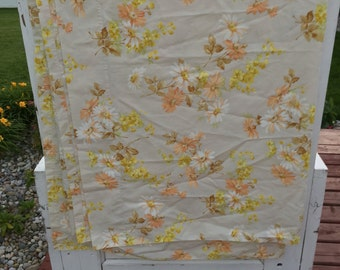 Vintage, flat double or full sheet, yellow, orange, and white flowers, daisy, daisies, retro, vintage pillowcase, flat sheet, double sheet,