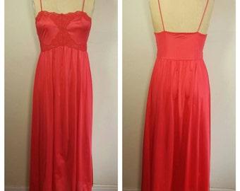 Vassarette long red night gown - Medium
