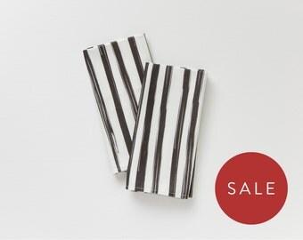 Black and White Cloth Napkin - Brush Stroke Dinner Napkin Set of 2 - Modern Table Linens