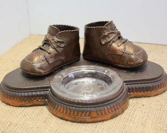 Vintage Bronze Baby Shoes Ashtray Copper Baby Shoes Vintage Nursery Baby Decor Altered Art Supply American Bronze Co Madmen Style # 96