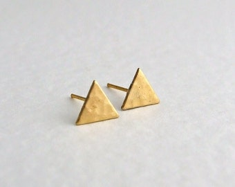 Triangle Earrings .. triangle studs, tiny studs, geometric earrings, hammered earrings