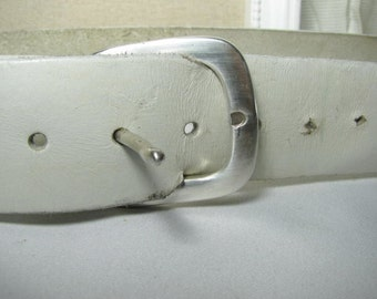 70's wide white leather belt size 33-38