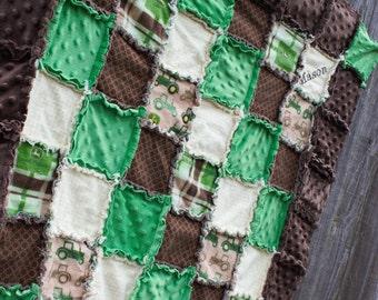 CUSTOM JOHN DEERE Rag Quilt/Blanket! Perfect baby shower gift or birthday gift, Adorable baby boy nursery bedding/quilt