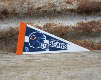 Vintage Chicago Bears Football Team 1990s Era NFL Small 9 Inch Mini Felt Pennant Banner Flag vtg Collectible Vintage Display Sports