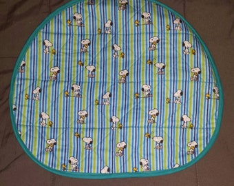 Reversible Quilted Steering Wheel cover - Snoopy fabric - Teal trim