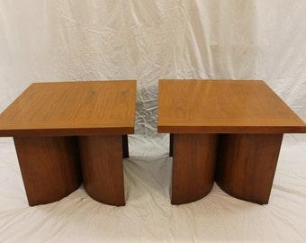 Mid Century Modern Kroehler bentwood nightstands table set (2)