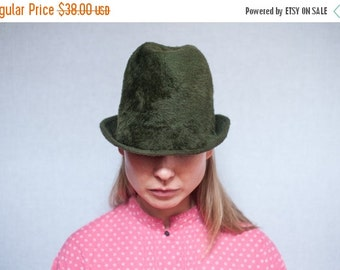 ON SALE Vintage Hunter Green Fuzzy Wool Felt Fedora Hat