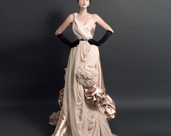 ITNA Handmade Flowers Romantic Long Bridal/ Wedding Dress