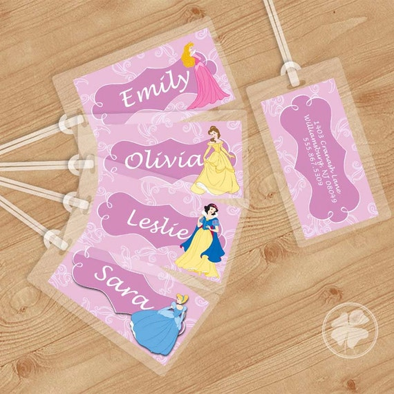 Personalised paper luggage tags