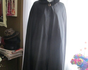 1960's Ladies Black Flowing HOODED CAPE no Label Maker