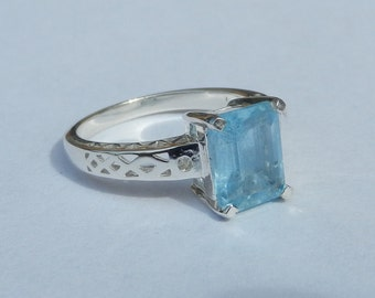 Natural 2.05 Carat Blue Topaz & Diamond Ring set in Solid 925 Sterling Silver