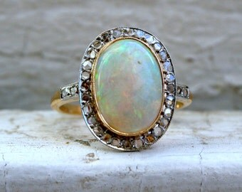 Beautiful Vintage Opal and Diamond 14K Yellow Gold Engagement Ring - 2.73ct.