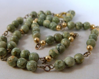 Jasper Bead Necklace / Vintage 1970s Green Stone Necklace / Gemstone Bead Necklace / Gemstone Pearls