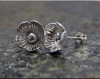 Poppy Earrings. Sterling Silver Poppy Post Earrings, Botanical Earrings, Handmade sterling silver post earrings, Poppy Flower earrings
