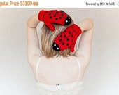 CHRISTMAS SALE Ladybug Gloves, ADULT Size, birthday Gift for girl, cozy Crochet Australian Winter accessories, red black, ready to ship