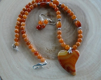 23 Inch Orange Agate Stylized Heart Necklace with Earrings