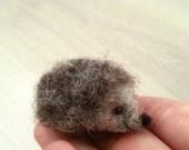 Needle felted hedgehog, collectible, fiber dollhouse, miniature, figurine, animal, felt, art toy, felted hedgehog