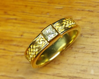 Celtic engagement/wedding rings