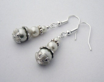 Petite Amuse Bouche Pearl earrings