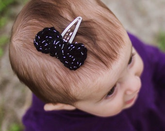 Crocheted Bow Hair Barrette Clip, Sparkly Black Bow, Tiny Bow Clip, Baby Hairbow, Baby Barrette, October Baby, Halloween Baby, Halloween Bow