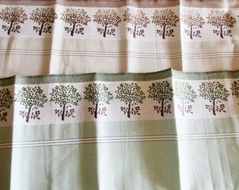 Set of 2 Pieces German Vintage Half-Linen Kitchen Dish Towels with Trees from the 70ies  / new and unused