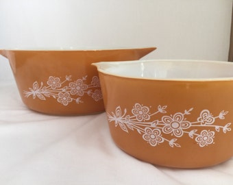 Butterfly gold vintage pyrex casserole dishes