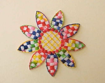 Pretty Colorful Flower Sewing Appliques With Primary Colors