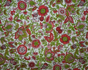 Vintage Cotton Fabric Home Decor Fabric Red and Green Vintage Cotton Floral Fabric - 3/4 Yard - CFL1358