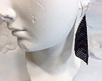 Black metal mesh earrings, disco earrings, black earrings, black disco earrings, 70s earrings, black dangle earrings, disco mesh jewelry