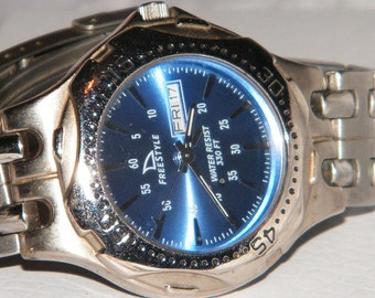 Mens Freestyle USA Day Date 300m Diver Watch