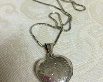 Amber's Vintage Sterling Silver Etched Heart Locket Lovely