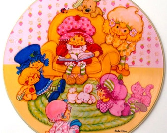 Vintage STRAWBERRY SHORTCAKE Vinyl Record / 1981 Picture LP Wall Decor
