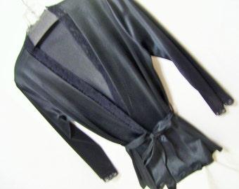 Short Robe Bed Jacket Black Nylon Kimono Wrap Style Size 38  Honeymoon Resort Cruise Wear