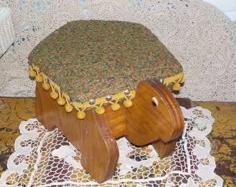 Small Turtle Step stool/Stool Sweet Measures 16 In long,10 in wide, Almost 9 in tall/SALE / Use  Code CLEARINGOUT25 .Must Be used at check