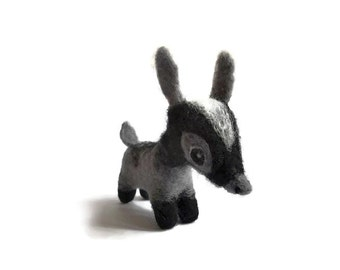 Needle Felted Pygmy Goat, Miniature Goat Soft Sculpture ('Jasper')