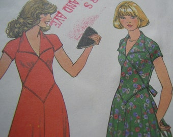 Vintage 1970's Simplicity 7808 Dress Sewing Pattern, Size 10, Bust 32 1/2