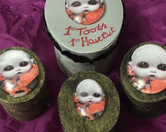 Lil vampire 1st tooth box