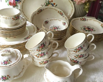Homer Laughlin Service for 8 Dinnerware Set 51 Pieces dated 1946 Republic Shape pattern R1294 Orchard