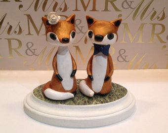 Polymer clay Fox wedding cake topper, Polymer clay handmade fox cake topper, bride and groom cake topper