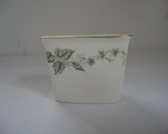 Vintage Small Greenwich Minton Bone China Made in England Vase Minton Vase Floral Minton Vase Greenwich Gold Rimmed