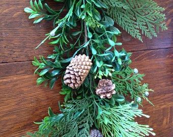 Mantle Garland, Boxwood Pine Cone Mantle Garland, Winter Garland, Christmas Garland,Table Runner