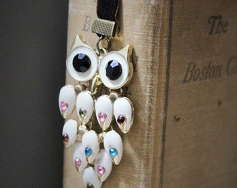 Owl velvet ribbon bookmark-Handmade bookmarks-Owl accessories-charm bookmark-Antique looking owl-Book lovers gift-Reading tools-Gifts