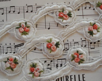 1y Vintage Venise Scrolly Garland Peach Schiffli Flowers Embroidered Insert Lace Applique Trim Novelty Sewing Trim Ribbon Dress