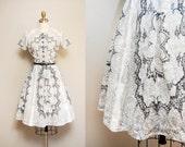 Vintage 1950s Black and White Jonathan Logan Dress / 50s Short Sleeve Cotton Dress / X-Small