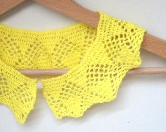 Yellow Peter Pan Collar Retro Gift acrlic handmade crochet made in Lithuania round with button up scallop chevron