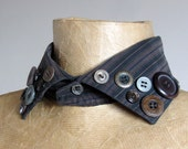 Detachable shirt collar, brown and black, collar necklace decorated with vintage buttons, upcycled recycled repurposed, steampunk gift.