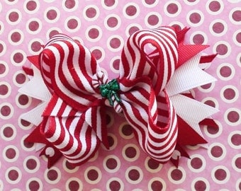 Baby girl hairbow/Christmas hairbow/Holiday hairbow/Candy cane hairbow/Boutique hair bow/Photo prop