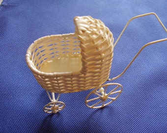 Vintage Miniature Baby Buggy/Dollhouse