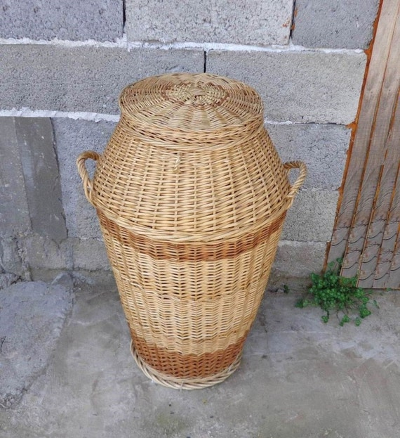 Vintage Natural Wicker Clothes Basket Hamper With Lid French