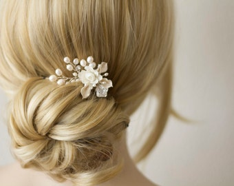 Bridal Hair Comb. Wedding Decorative Combs. Silk Flower and Pearl hair comb. bridal jewelry. Bridesmaid accessories.